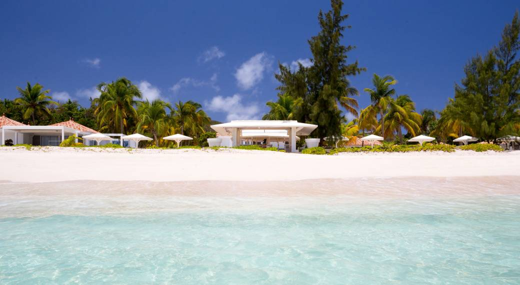 Best Island Beaches For Partying Mykonos St Barts: Emeraude Plage